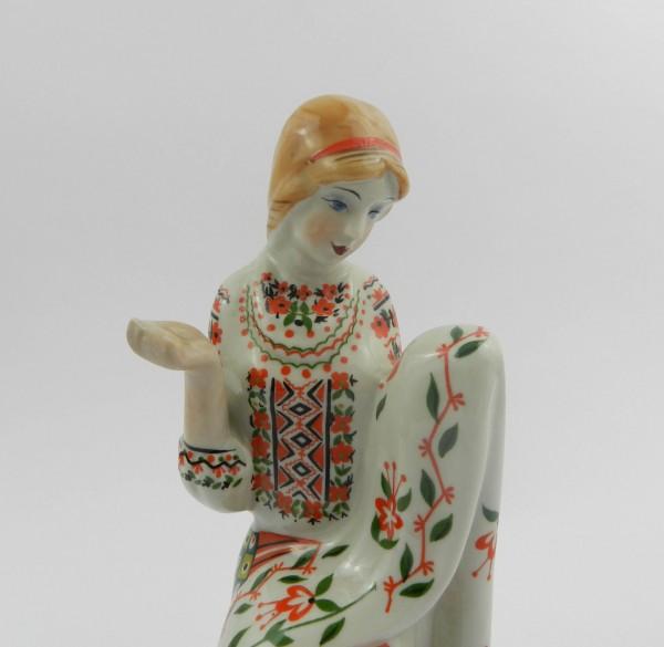 Figurka Korosten kobieta decor