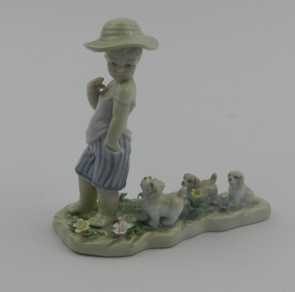 Figurka chłopiec Old Tupton Ware