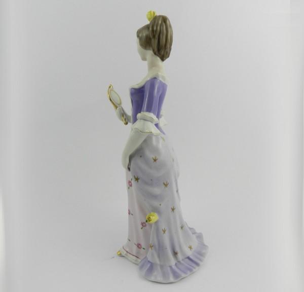 Figurka Hollohaza dama z lusterkiem