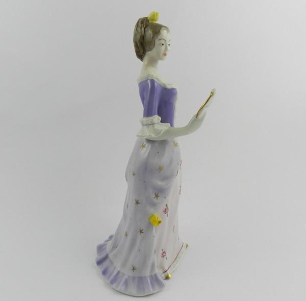 Figurka Hollohaza dama z lusterkiem right