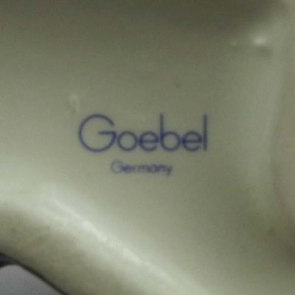 Figurka psa Goebel mark
