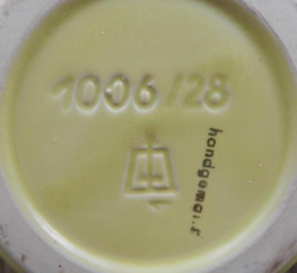Ceramiczny wazon sygnowany mark